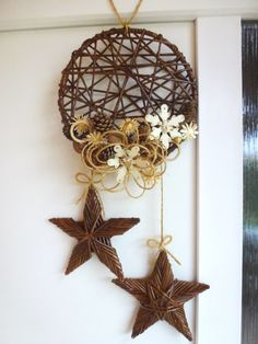 Vianočné dekorácie - Happy Christmas - Noel 2020 ideas-Happy New Year-Christmas Rustic Christmas, Christmas Time, Christmas Wreaths, Christmas Ornaments, Decor Crafts, Diy And Crafts, Christmas Crafts, Deco Table Noel, Willow Weaving