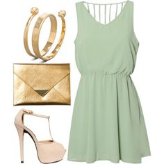 Love the mint with the gold accessories:)