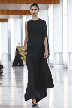 Tree moss inspired? Gorgeous! Love his forms! Stephane Rolland Couture Spring Summer 2015 Paris