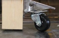 How to Make Retractable Casters! : 5 Steps (with Pictures) - Instructables Welding Tips, Welding Table, Vintage Industrial Furniture, Industrial Style, Workbench Casters, Retractable Door, Metal News, Garage Tools, Pipe Furniture