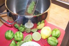 Recipe: Lemon or Lime Cordial (Cordials and Drinks) Easy to make, cheap and delicious.