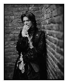 great portrait of Bowie