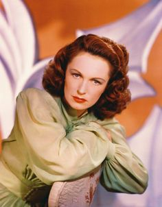 """GERALDINE FITZGERALD. Born: Nov. 24, 1913 in Ireland. Died: July 17, 2005 from alzheimer's disease (aged 91). She appeared in English films from 1934 to 1937 before emigrating to NYC where she acted with Orson Welles. She appeared in many masterpieces of The Golden Age, including """"Wuthering Heights"""" (1939) & """"Dark Victory"""" (1939). Starred in """"Shining Victory"""" (1941), """"The Gay Sisters"""" (1942). Last Silver Screen film was """"Easy Money"""" (1983) & final made-for-tv film was """"Bump in the Night""""…"""