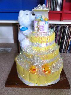 Great bubbles and ducks diaper cake idea!