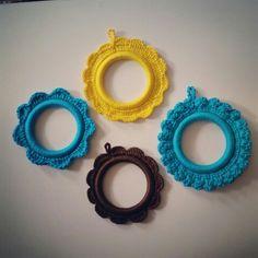 Fotoğraf çerçevesi ❤ Photo frame #handmade #crochet #yarnart #photoframe @byahusa