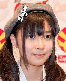220px-AKB48_20090704_Japan_Expo_16a.jpg (220×271)