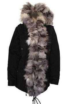 Parka femme hiver noire en fourrure de renard noir - Gold & Silver, Manteau d'hiver à capuche sur cpourl.fr #parka #fourrure #CpourL