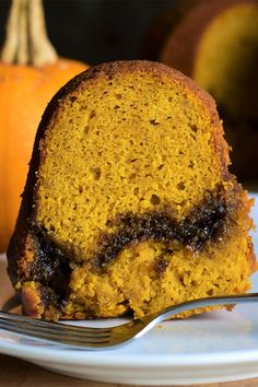 This sour cream pumpkin bundt cake is a quick and easy bundt cake recipe! Bake the best pumpkin cake using pumpkin pie spice, pumpkin puree, sour cream, and vanilla. You will love baking this moist cake for a fall dessert or Thanksgiving dessert! Best Pumpkin, Pumpkin Pie Spice, Pumpkin Puree, Cake Recipes, Dessert Recipes, Pumpkin Bundt Cake, Moist Cakes, Fall Desserts, Sour Cream