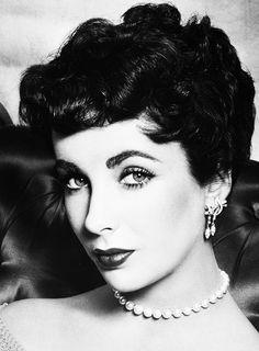 Elizabeth Taylor photographed by Philippe Halsman, 1952.