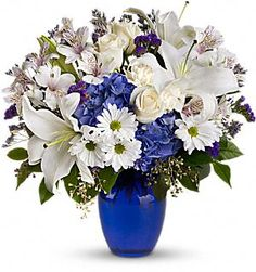 Love The Blue Gl Vase And Hydrangeas Mixed With White Flowers Roses Gif