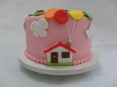 Bolo UP, baunilha, beijinho, pasta americana rosa, balões coloridos, casinha