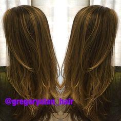 Color. #colorists #carmel #honey #honeyblonde #btcpics #balayage #hairpics #colortrakcrew #modernsalon #blonde #stylist #sunkissedhair #hairbrained #hairpaint #olaplex #SoFlo