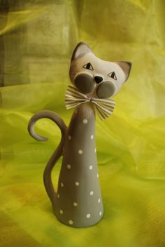 Keramika - Koika Stedn Ed S Puntky Pottery Animals, Ceramic Animals, Clay Animals, Slab Pottery, Ceramic Pottery, Clay Cats, Sculptures Céramiques, Clay Ornaments, Pottery Sculpture