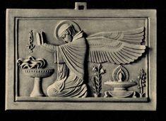 Beuronese Art / Beuroner Kunst Anbetender Engel 2 Relief. Das Relief wurde ausgeführt in Alabastermasse mit Elfenbeinton. Größen 13x19cm und 17,5x26cm. #Beuroneseart #BeuronerKunst #Relief
