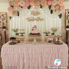 Super Baby Shower Decorations For Girls Vintage Candy Bars Ideas Girl Baby Shower Decorations, Baby Shower Centerpieces, Birthday Decorations, Girly Baby Shower Themes, Table Decorations, Baby Shower Vintage, Floral Baby Shower, Shower Party, Baby Shower Parties