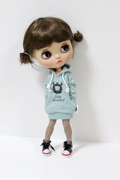 Blythe clothes Mint Hello Hoodie long dress T-shirt outfit doll clothes for Blythe, Pure neemo S Doll Clothes Barbie, Bratz Doll, Blythe Dolls, Pretty Dolls, Beautiful Dolls, Cute Cartoon Pictures, Cute Baby Dolls, Cool Anime Girl, Cute Chibi