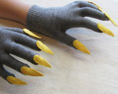 Gloves with claws, charcoal gray and yellow, for Halloween costume or pretend play Handschuhe mit Kl Halloween Costumes To Make, Halloween Looks, Diy Costumes, Halloween Crafts, Grease Costumes, Teen Costumes, Woman Costumes, Couple Costumes, Pirate Costumes