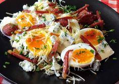 Villás reggeli Hamburger, Eggs, Breakfast, Food, Morning Coffee, Eten, Hamburgers, Egg, Meals