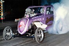 ( HOT ROD ☆ 2016 ) ☞ Sush Marsubara driving the highly successful Mondello & Matsubara Chev 427 powered Fiat Topolino Fuel Altered. Car Fuel, Automobile, Nhra Drag Racing, Old Race Cars, Vintage Race Car, Drag Cars, Car Humor, Fiat 500, Hot Cars