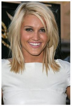 Medium Hair Styles For Women Over 40 | Medium Length Hair Cuts for Women Over 40 - Fashion News