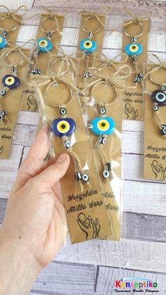 #konseptiko #kişiyeözel #dogum #birthday #hediyelik #dogumhediyelik #anahtarlık #nazarboncuğu #nazarboncukluanahtarlık #hoşgeldinbebek #bebekhediyelik #kraft #craft Washer Necklace, Lime, Banner, Jewelry, Instagram, Jewlery, Banners, Schmuck, Limes
