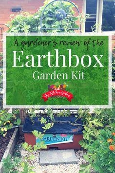 Gardening With Containers Take the guesswork out of gardening with the Earthbox Garden Kit. It's easy to use and almost guarantees a successful harvest every season! Types Of Tomatoes, Types Of Vegetables, Organic Vegetables, Gardening For Beginners, Gardening Tips, Vertical Vegetable Gardens, Vegetable Gardening, Gutter Garden, Herb Garden Design
