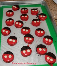 Adorable Mickey Mouse Theme Cookies & Cupcakes!!! - Mommy Ramblings @Home Celebration #DisneySide