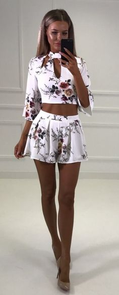 #summer #outfits White Floral Crop & Short