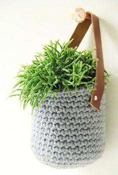 Crochet Hanging Plant Basket Free Pattern - Crochet Plant Pot Cozy Free Patterns