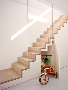 Modern Staircase Design Ideas - Modern stairs come in lots of design and styles that can be genuine eye-catcher in the different location. We have actually assembled best 10 modern versions of stairs that can provide. Wooden Staircase Design, Home Stairs Design, Wooden Staircases, Interior Stairs, Spiral Staircases, Stairways, Staircase Storage, House Staircase, Stair Storage
