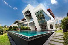 Ultramodern lakóház medencével - homlokzat ötletek, modern stílusban