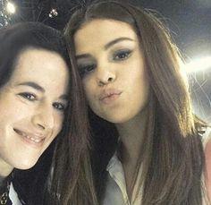 Selena Gomez Tour, Cat Hug, Marie Gomez, Beauty Queens, Idol, Celebrity, Celebs, Chocolate, My Love