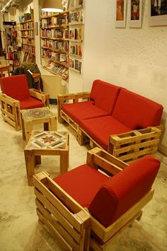 living room furniture made of recycled pallets