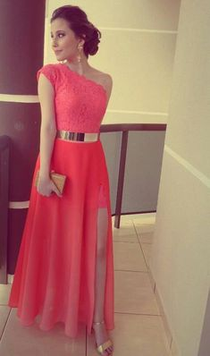 Shop our beautiful collection of unique and convertible long Prom dresses from FabFba,offers long bridesmaid dresses for women online.A Line Red One Shoulder Chiffon Lace Long Side Slit Gold Belt Prom Dresses uk Elegant Dresses, Pretty Dresses, Beautiful Dresses, Gorgeous Dress, Evening Dresses, Prom Dresses, Formal Dresses, Dress Prom, Dress Long