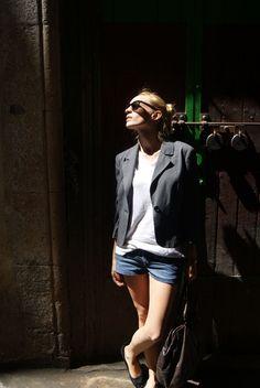 Camiseta/T-shirt: Zara  Blazer: H & M   Shorts: H & M  Bolso/Bag: Topshop  Flats/Shoes: Topshop