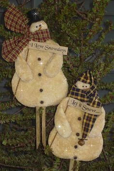 cute flat snow man ornies made of warm and natural