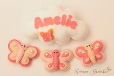 Schmetterlinge-Tür-&Namensschild für Kinderzimmer von SecretCrochet auf DaWanda.com