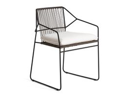 Sled base stainless steel garden chair with armrests Sandur Sandur Collection by OASIQ | design Mark Gabbertas