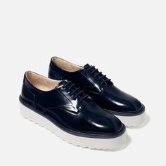 Image 5 of FLAT PLATFORM LACE-UP SHOES from Zara