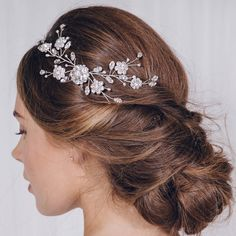 Are you interested in our Small wedding hair vine? With our Small hairvine you need look no further.