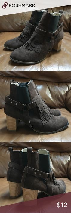 Chase & Chloe Brown Suede Fringe Boots Size 7.5 Hello, this is a great pair of women's Chase & Chloe boots. They are in good condition!  Fringe detail. Pull on style. Size 7.5. Please send me any questions, thanks! Chase & Chloe Shoes Ankle Boots & Booties