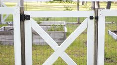 How-to Build a DIY Garden Fence | Angie's List