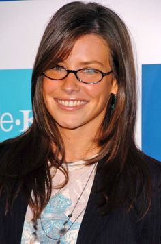 Evangeline Lilly love her in glasses Pretty Hairstyles, Easy Hairstyles, Evangelina Lilly, Nicole Evangeline Lilly, Girls With Glasses, Brunette Hair, Celebs, Celebrities, Hair Dos