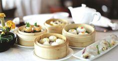 『飲茶(ヤムチャ)』とは、軽食(點心=点心)を食べながらゆったりとお茶を味わうこと、その行為の総称です。香港飲茶入門編、伝統とトレンド、新感覚の飲茶のスタイルについてお話します。