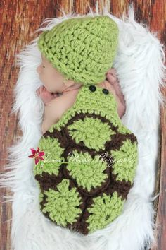 I just bought this for the baby! I couldn't resist! Crochet baby turtle outfit