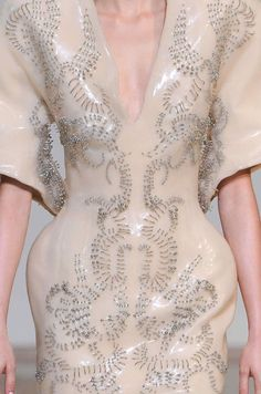 """patternprints journal: PRECIOUS DETAILS, PATTERNS AND SURFACES INTO """"COUTURE"""" FASHION COLLECTIONS F/W 2013/14 /  Iris Van Herpen"""