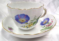 ユーロクラシクス|マイセン ベーシックフラワー 一つ花 二つ花 三つ花 四つ花 五つ花 Coffee Cups, Tea Cups, Blue Morning Glory, Dresden Porcelain, Noritake, Porcelain Ceramics, Tea Cup Saucer, Tea Set, Tablescapes