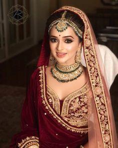 Indian Bridal Look Jewelry India 40 Ideas Indian Wedding Makeup, Indian Bridal Outfits, Indian Bridal Fashion, Indian Bridal Wear, Bridal Dresses, Indian Makeup, Sikh Wedding, Gothic Wedding, La Bayadere