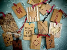 Wooden keychain with Name or drawing pyrograhy  by JoyMadeInItaly