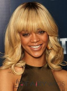 Shop our online store for blonde hair wigs for women.Blonde Wigs Lace Frontal Hair Deep Wave Blonde Weave From Our Wigs Shops,Buy The Wig Now With Big Discount. Rihanna Hairstyles, Frontal Hairstyles, Celebrity Hairstyles, Wig Hairstyles, Blonde Ombre Bob, Blonde Weave, Blonde Wig, Curly Hair With Bangs, Wigs With Bangs